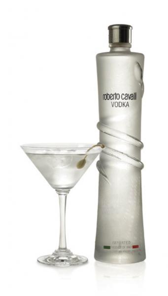 cavalli-vodka-packaging-design-341x600